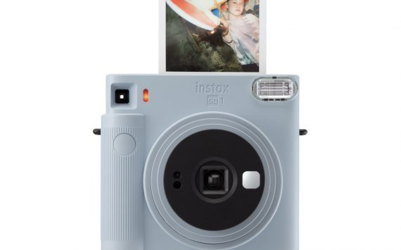 Fujifilm announces new analog Instax SQUARE SQ1